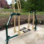 A Clever Use for Awkwardly Sized Vacant Lots: Outdoor Gyms