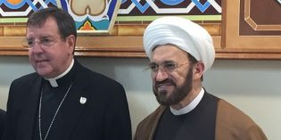 Catholic Archbishop Vigneron pays visit to Dearborn Heights mosque