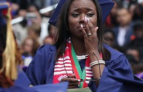 Obama heaps praise on Detroit senior at Howard University graduation