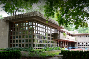 Becoming Frank Lloyd Wright